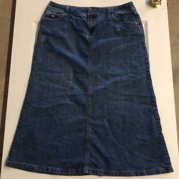 816883330ab8c Cato Dresses   Skirts - Cato Blue Jean Skirt Size 16